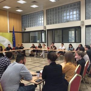 Συζήτηση με νέους από χώρες της Ευρώπης σε αίθουσα της Βουλής (01.04.2016)