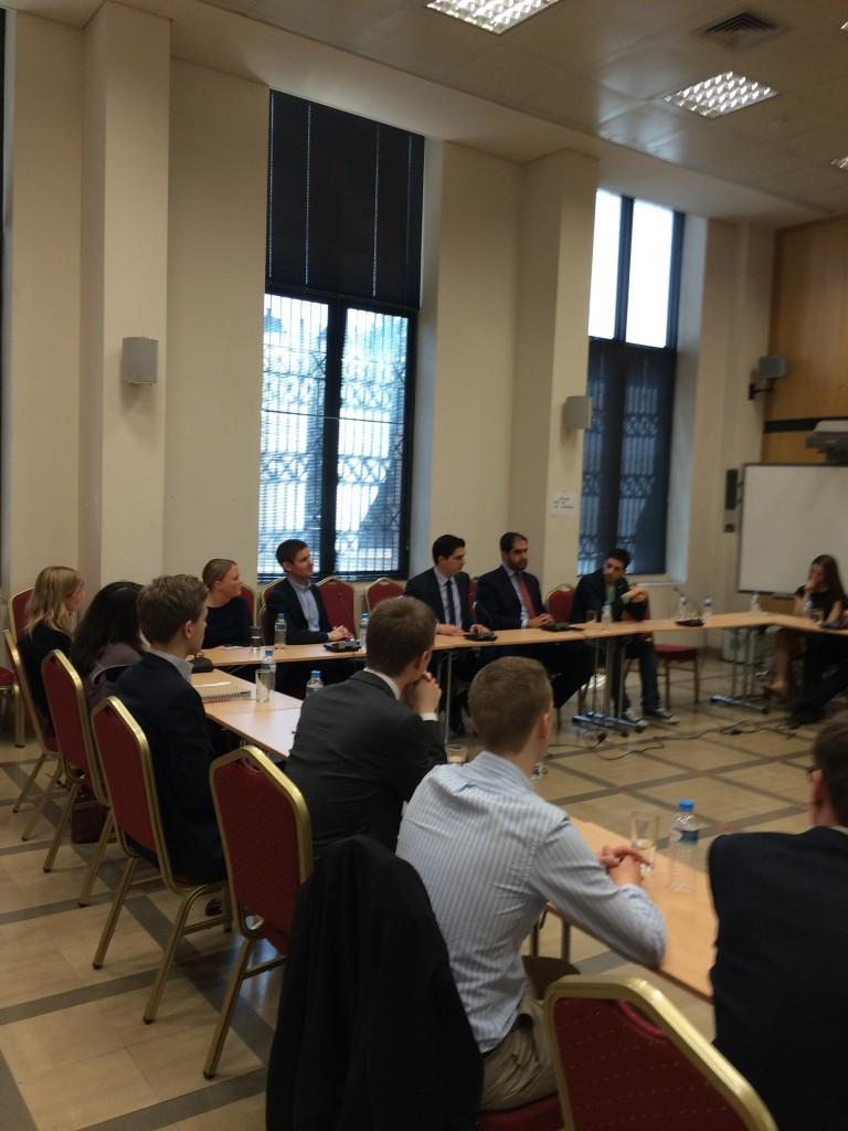 Μιλώντας σε φοιτητές και νέους του Σουηδικού κυβερνώντος κόμματος